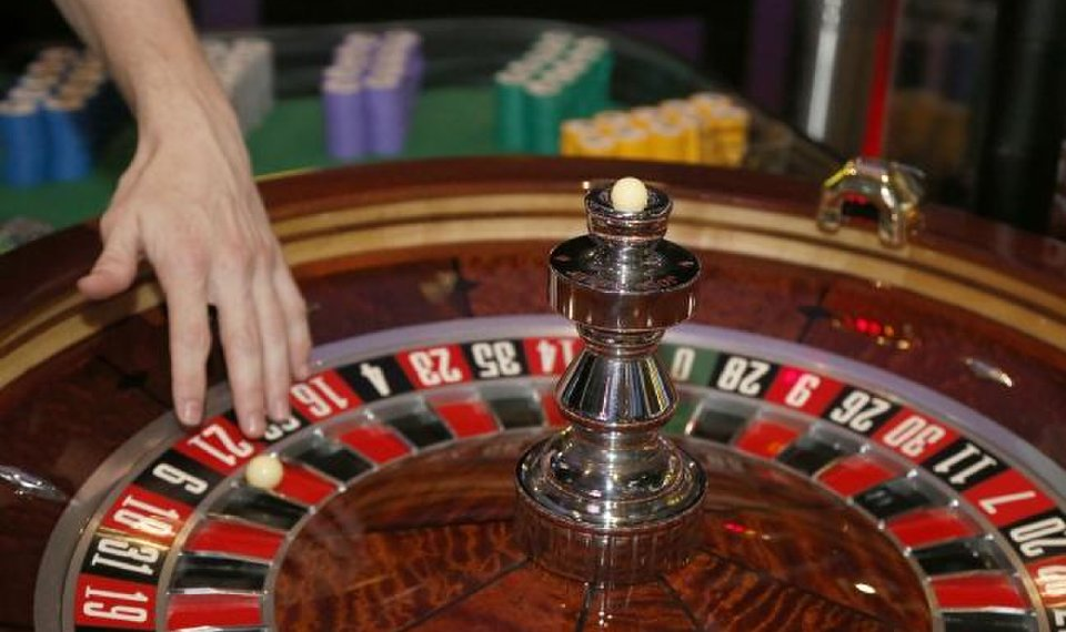 Six Suggestions From A Gambling Professional