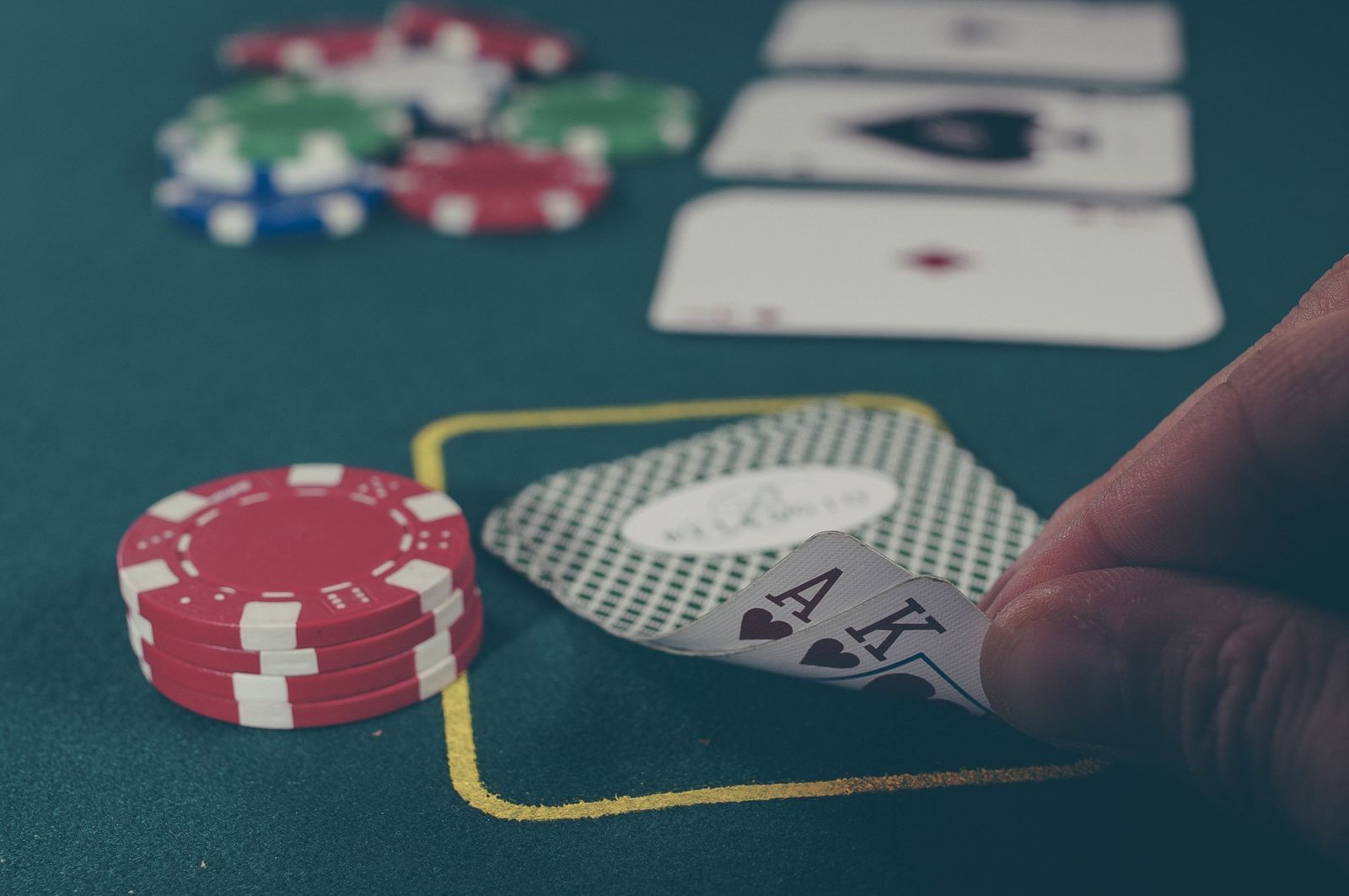 Tips about Online Gambling From Unlikely Web sites